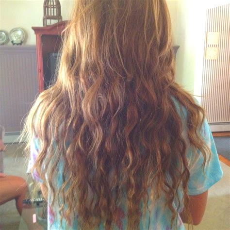 hair after braids effect after sleeping in a fishtail braid beachy waves