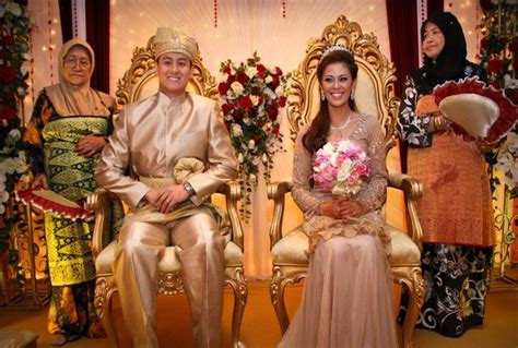 one 10 wedding traditions from around the world one