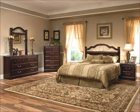 Standard Bedroom Furniture Standard Furniture Poster Bedroom Set Sorrento St 4000set