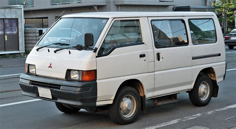 mitsubishi wagon 1990 1990 mitsubishi vanwagon information and photos