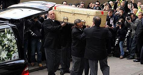 Trevor Banister Eastenders Stars Past And Present Bid Farewell To Wendy