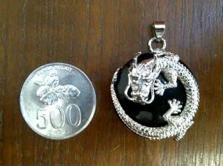 Liontin Batu Donat Koin Onyx karya babah antik june 2013