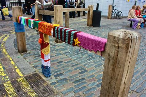 knit city knit the city guerilla knitting graffiti pictures and