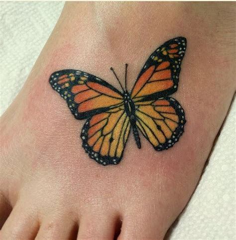 monarch butterfly tattoo monarch butterfly foot tatted ideas pinte