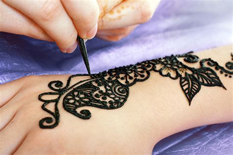 black henna tattoo side effects black henna tattoos about skin