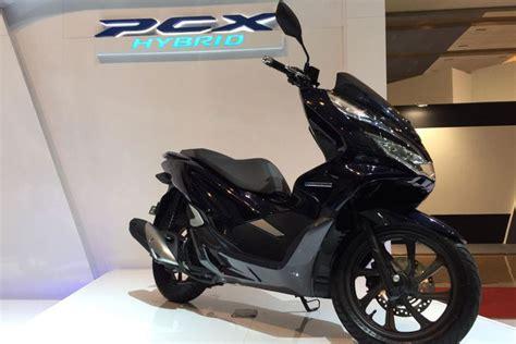 Harga Pcx Hybrid harga honda pcx hybrid tembus rp 40 juta kompas