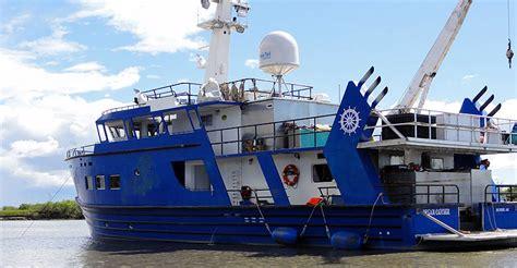 small boat alaska alaska small boat cruise the dream catcher trip