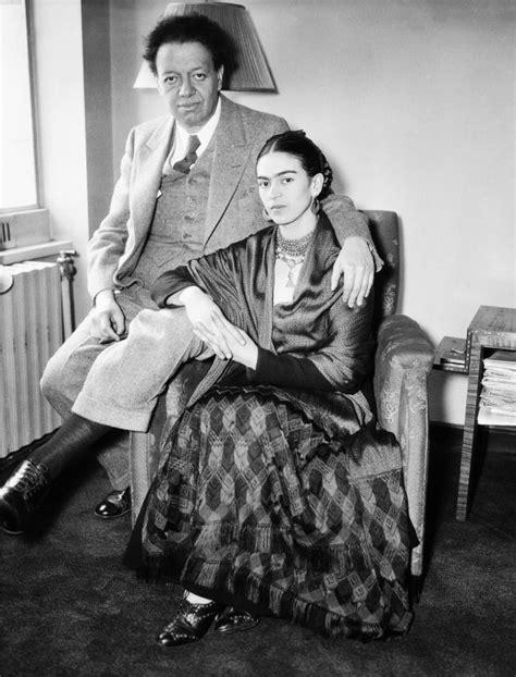 a e biography frida kahlo get out of glendale frida kahlo exhibit das tor