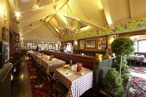 buca di beppo bathroom photos buca di beppo italian restaurant picture of village