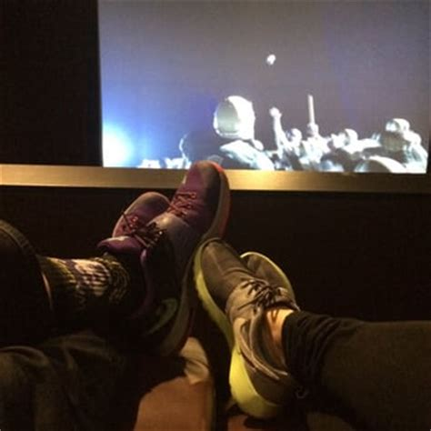 tacoma movie theater with recliners century theatres federal way 75 photos 120 reviews
