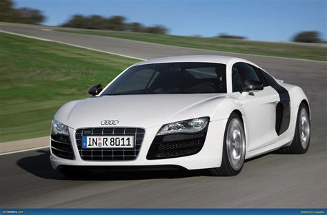 AUSmotive.com » Audi R8 V10 breaks cover