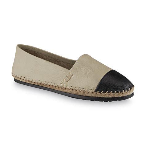 adam tucker shoes adam tucker footwear s ivory black flat