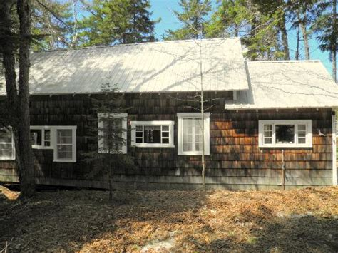 waterfront cottages for sale in maine maine recreational property land fishing properties