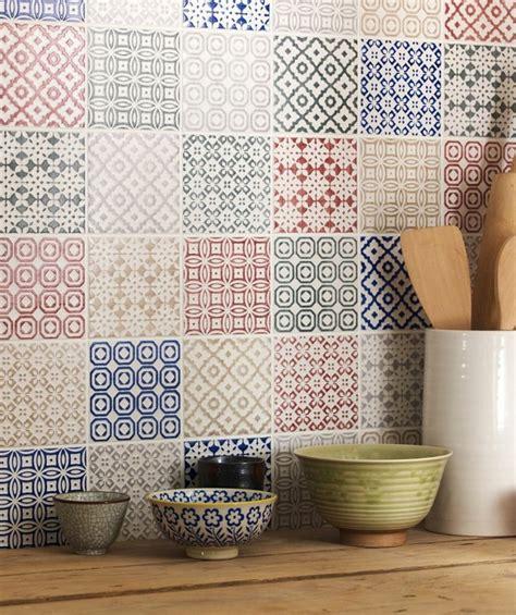 Formidable Idee Salle De Bain Carrelage #8: 0-carrelage-mural-castorama-pour-la-cuisine-moderne-avec-mur-de-carrelage-coloré.jpg