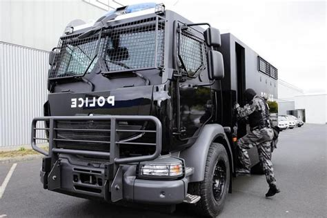 renault trucks defense renault trucks defense and thales present a new mobile