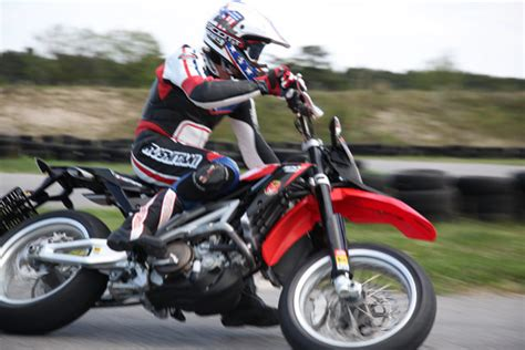 Aprilia Sxv 550 Motorrad Daten by Aprilia Pikes Peak Testbericht