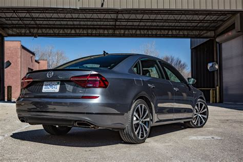 volkswagen passat 2018 2018 volkswagen passat review vw s big sedan gets a pulse