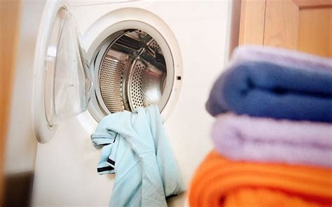 is it really cheaper to wash clothes at 30c rather than