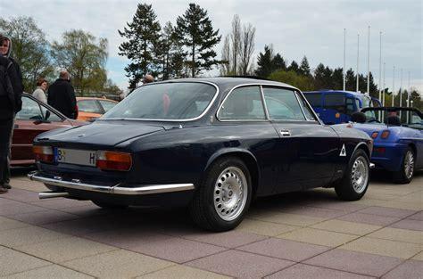 classic alfa romeo sedan alfa romeo 2000 gtv bertone coupe classic cars 1970
