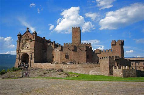 castillos y fortalezas de 8430555269 castillos y fortalezas en navarra los vestigios de un antiguo reino el correo