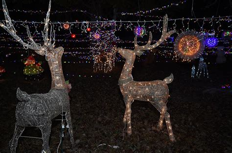 places to see christmas lights in nc 7 places to see holiday lights in the lower cape fear