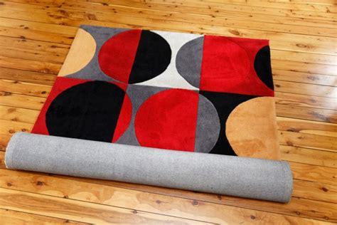 tappeti lavaggio come lavare i tappeti in casa a mano e in lavatrice donnad