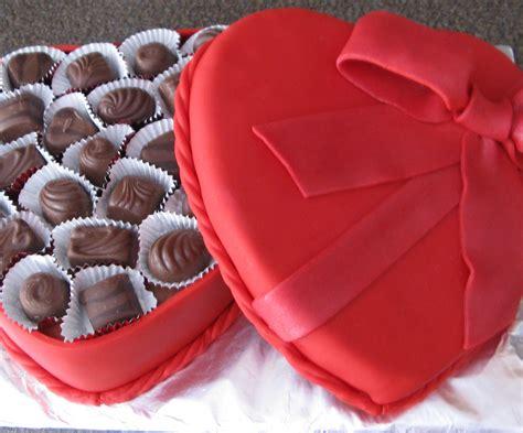 valentines chocolate box s chocolate box cake 5