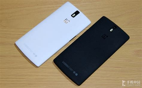 Hp One Plus One Sandstone oneplus one black white which one looks better poll