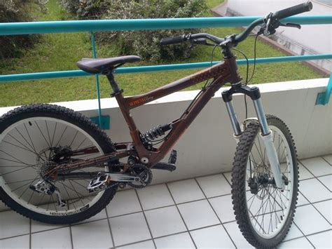 commencal supreme mini dh vends commencal supreme mini dh racing 2 2009