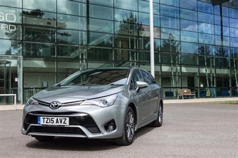 toyota online account fleets set to account for majority of new toyota avensis