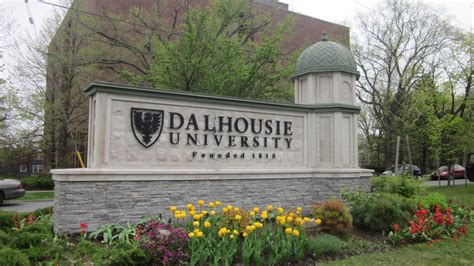 Smart House Design by Tesla Signs 5 Year Battery Research Deal With Dalhousie