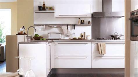 cuisine 駲uip馥 petit espace armoires de cuisine design moderne pour petit espace