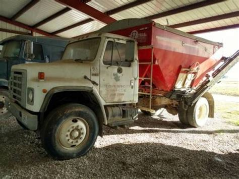 seed for sale 1985 2 ton international seed tender truck diesel for sale