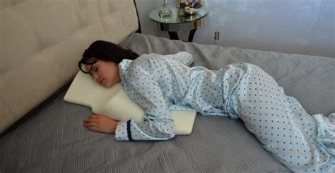 Side Stomach Sleeper by Best Pillow For Stomach And Side Sleepers Slunickosworld