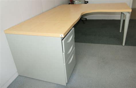 plateau de bureau d angle bureau dangle de marque majencia plateau couleur hetre