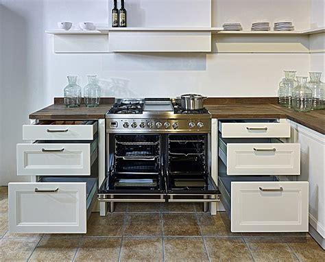 L Küche by Modernes Wohnzimmer Beige