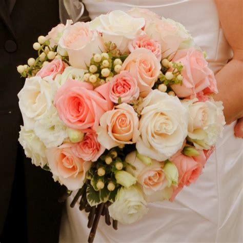 Pourquoi opter pour un bouquet de mariée rond?