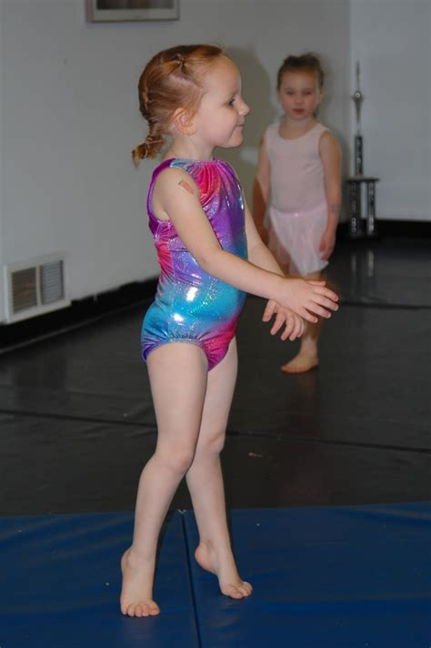 gymnastic little girl little girls gymnastic trainning related keywords little