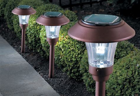solar outdoor lights how to save energy using outdoor lighting