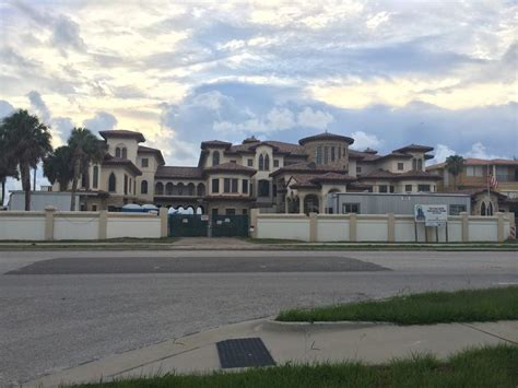 ryan howard house here s your reminder that ryan howard s house is still being built and is still