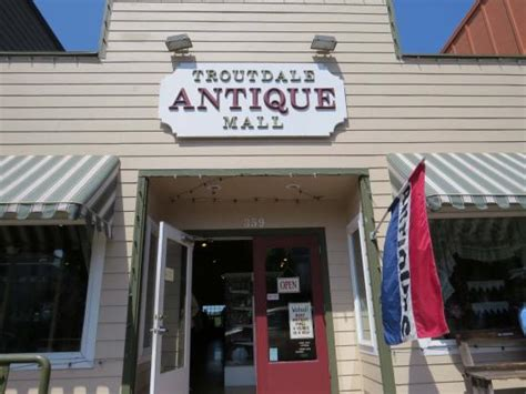 comfort antique mall 10 things to do near comfort inn columbia gorge gateway