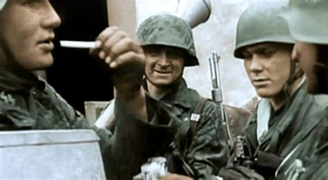 third reich color pictures waffen ss in color third reich color pictures german soldiers smoking in color
