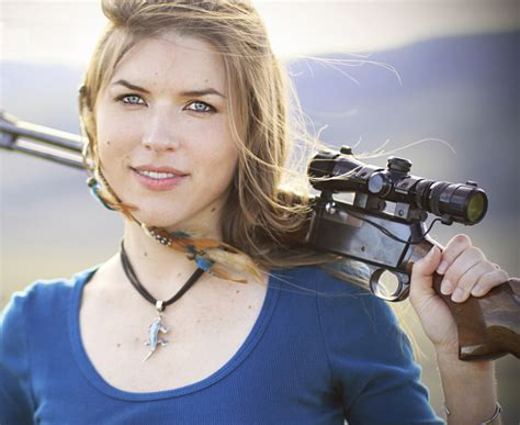 best women top 10 hottest female shooters beautiful female shooter