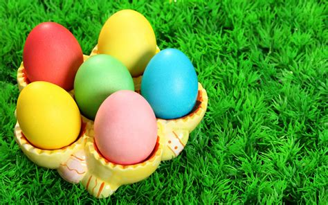 colorful easter wallpaper free colorful easter day eggs wallpaper wallpapers hd