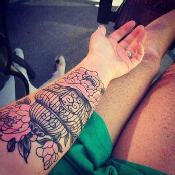 hand tattoo reviews rabid hands tattoo studio 20 photos 25 reviews
