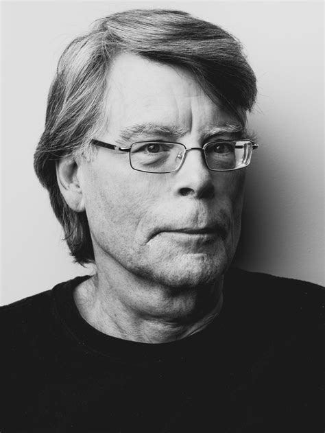 Stephen King Biography and Bibliography | FreeBook Summaries