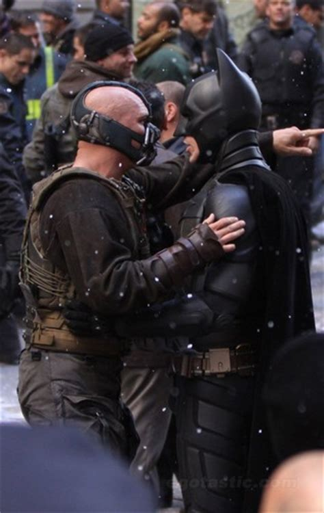 wallpaper batman vs bane the dark knight rises images bane vs batman hd wallpaper