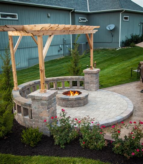 Fire Pit With Built In Seating Covered By A Pergola Nice Backyard Pit Area