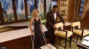 what device does kelly ripa use on her hair kelly ripa and mark consuelos wear matching boots after