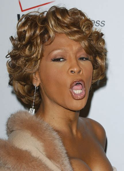 whitney houston hairstyles gallery more pics of whitney houston short curls 1 of 14 short